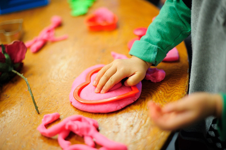 How to use play dough to teach English.